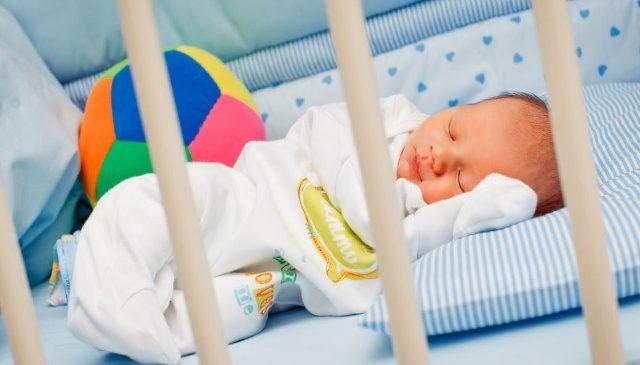 Новорожденный плохо спит ночью: рекомендации